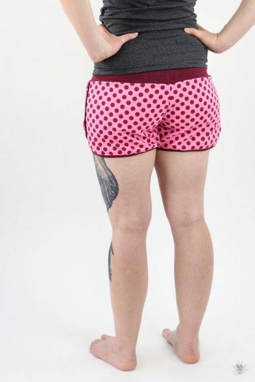 kurze Sommersweat-Hose pink mit beere Punkten, beere melierte Jerseybündchen