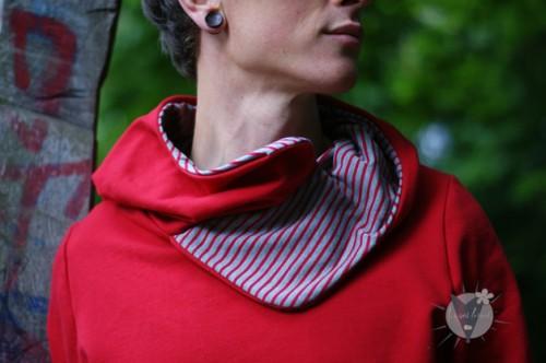 Kapuzenpulli rot; grau-rot gestreift