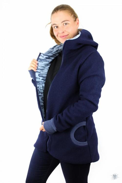 Wolljacke dunkelblau mit Walen