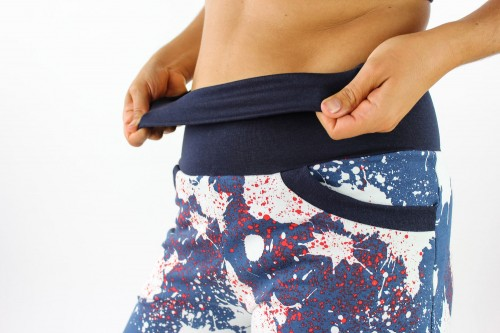 Sweat-Jogginghose blau mit Farbklecksen