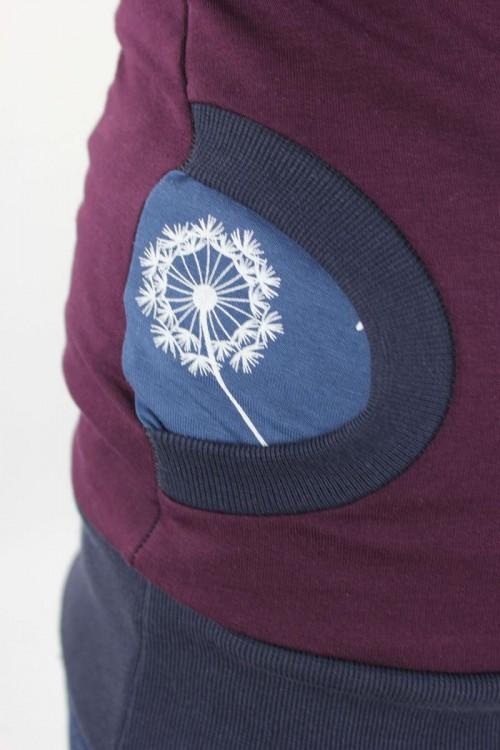 Kapuzenpulli beere mit Pusteblumen auf blau