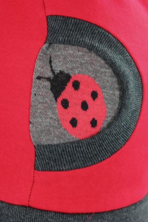 Kapuzenpulli rot mit Marienkäfern