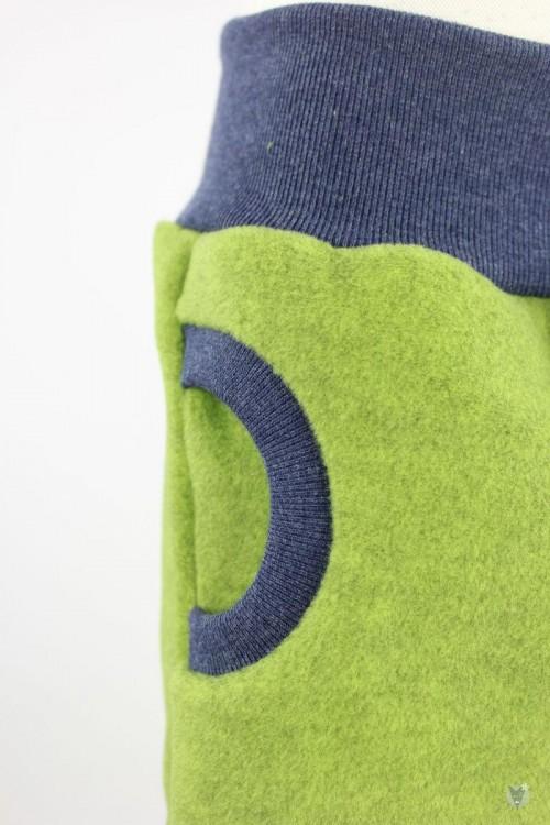 Fleecehose grün meliert mit marine melierten Bündchen