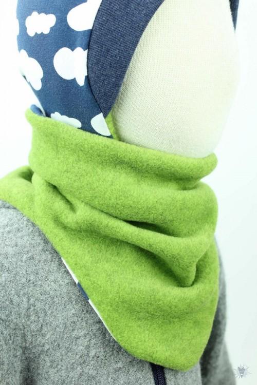 Fleece-Schlupfschal zum Wenden, grün meliert/Wolken auf blau