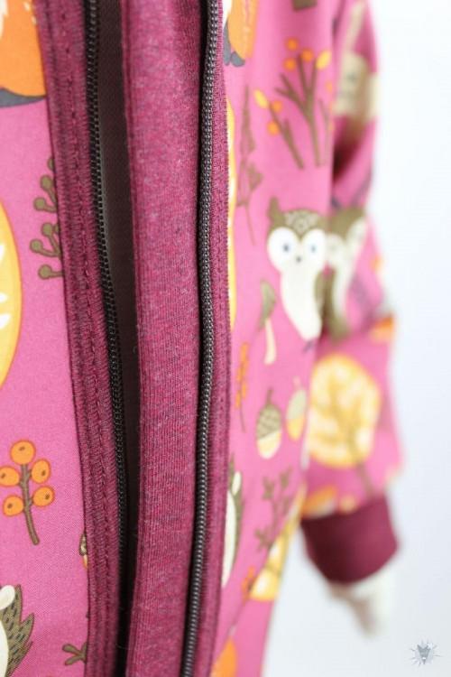 Softshellanzug pink mit Waldtieren, beere
