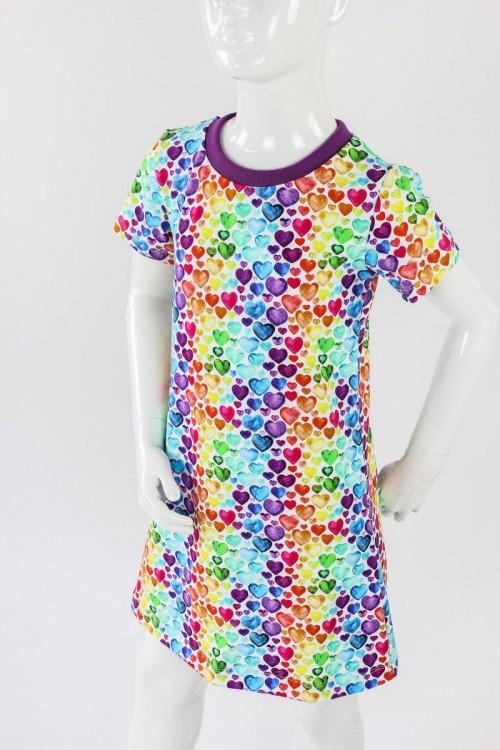 Kinder-Shirtkleid mit Regenbogenherzen
