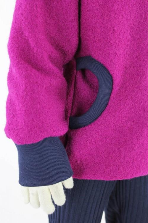 Kinder-Wolljacke pink mit Rehen und Blumen
