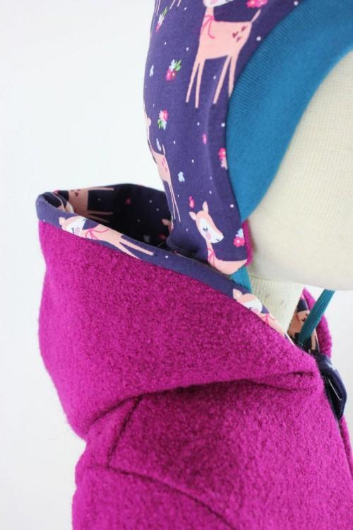 Kinder-Wollanzug pink mit Rehen und Blumen