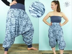 Haremshose/Jumpsuit Wale auf hellblau