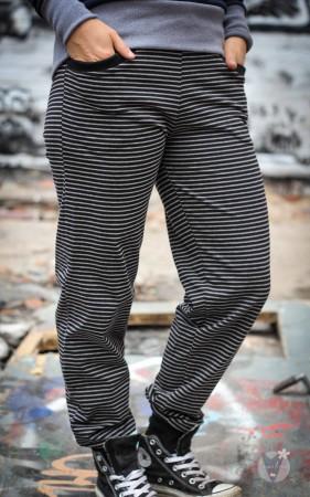 Jogginghose schwarz hellgraue Streifen