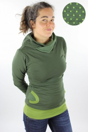 Kapuzenpulli olivgrün mit Punkten auf grün