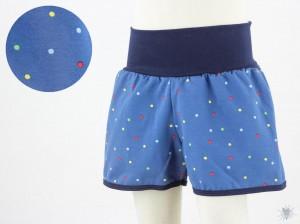 kurze Hose für Kinder mit bunten Punkten auf blau