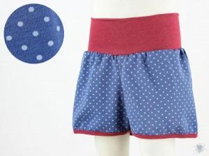 kurze Hose für Kinder mit hellblauen Punkten auf blau