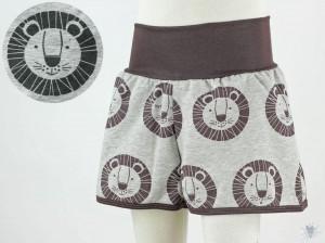 kurze Hose für Kinder mit braunen Löwen auf grau