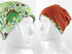 Beanie zum Wenden grün mit Dinos und orange meliert