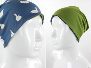 Beanie zum Wenden blau mit Gänsen und grün