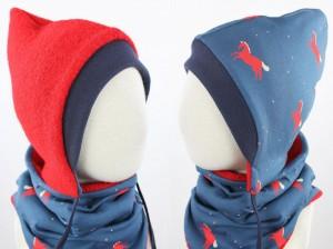 Kinder-Wollmütze zum Wenden rot mit Pferden auf blau
