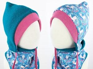 Kinder-Wollmütze zum Wenden petrol mit Rehen auf blau