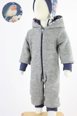Kinder-Wollanzug grau mit Rosenvögeln auf blau