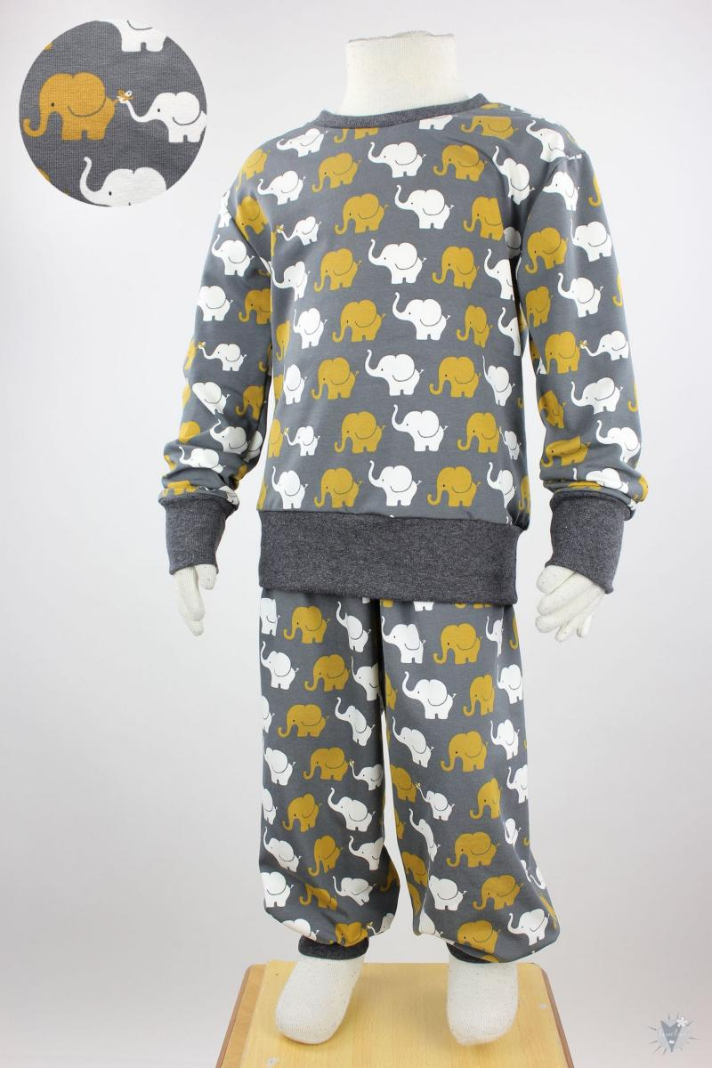 Kinder-Schlafanzug mit Elefanten auf dunkelgrau