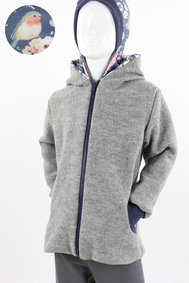 Kinder-Wolljacke grau mit Rosenvögeln auf blau